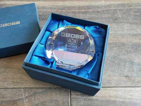 "2003 Boss ""8 Million"" Rare Promotional DS-1 Diamond Distortion Paperweight w/Box"