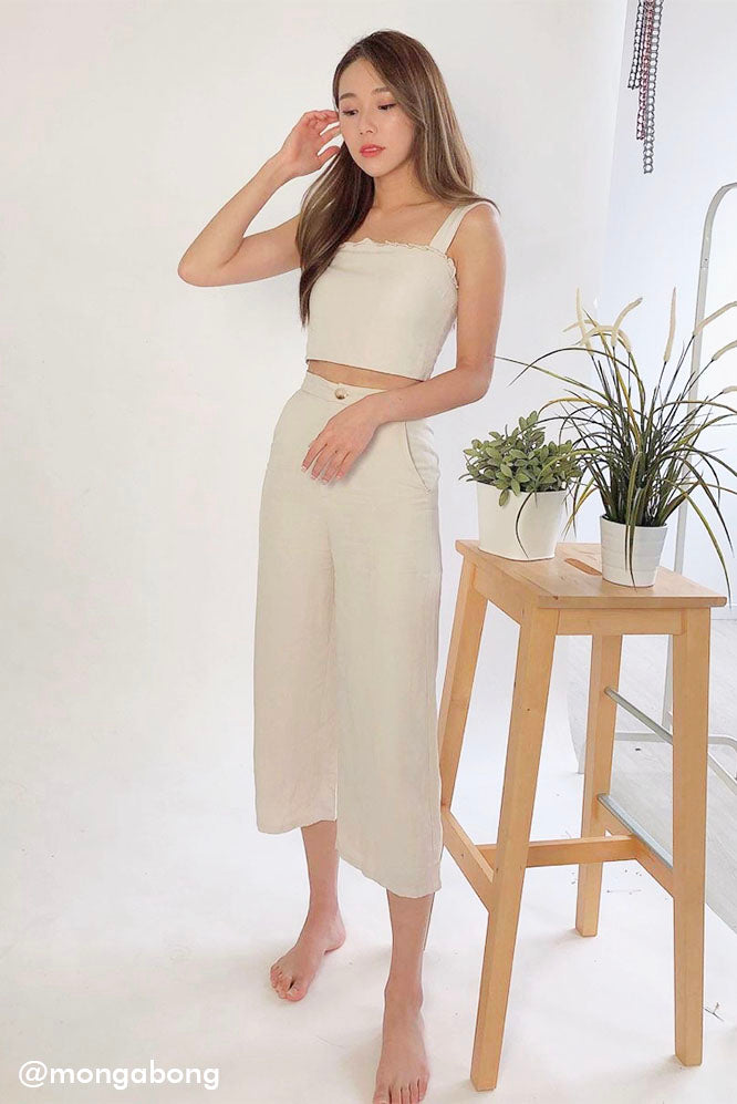 Olivia Linen 2-piece Set #MadeByDearLyla (Sand) l Dear Lyla Singapore l Shop Women FashionThis versatile and wearable matching set will bring you to places. Cut from breathable and comfortable linen fabric, the more you wear it, the more you'll love it. Have fun styling with different tops/bottoms or simply go for the matching look for an effortless chic look.  Available in Sand and Olive. Exclusively manufactured by Dear Lyla.  Mongabong mongchin yeoh