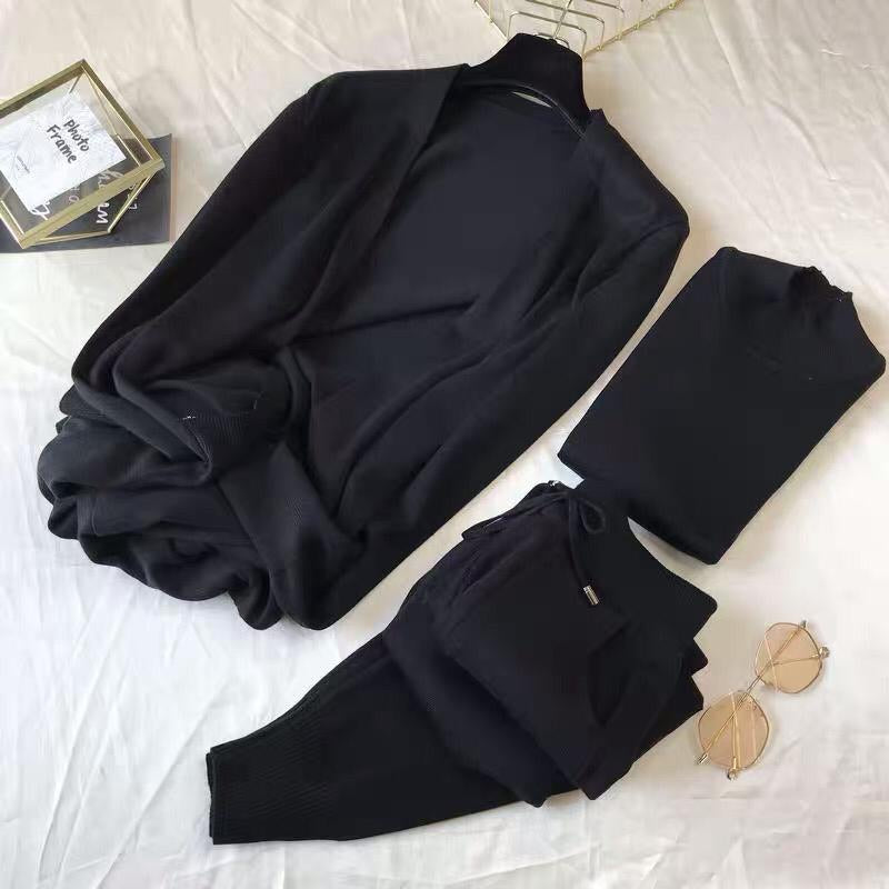 Hadlow Black 3 piece Knitted Set