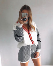 Load image into Gallery viewer, Chequered Cream Knitted Cardi Short