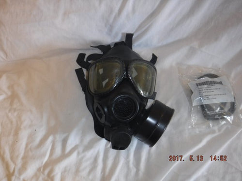 USMC Issued M40 Gas Mask Size M/L