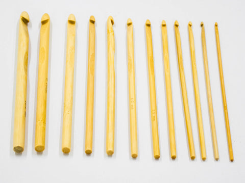 12pc BAMBOO CROCHET NEEDLE SET