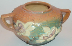 Roseville Pottery Magnolia Handle Vase (446-4)