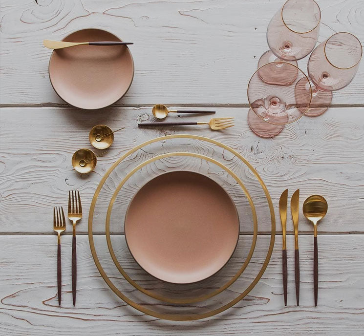Angie Homes is offering you a wide range of luxury tableware including, cutlery, Plates, Glasses, Dinner Set and Server ware for your home.