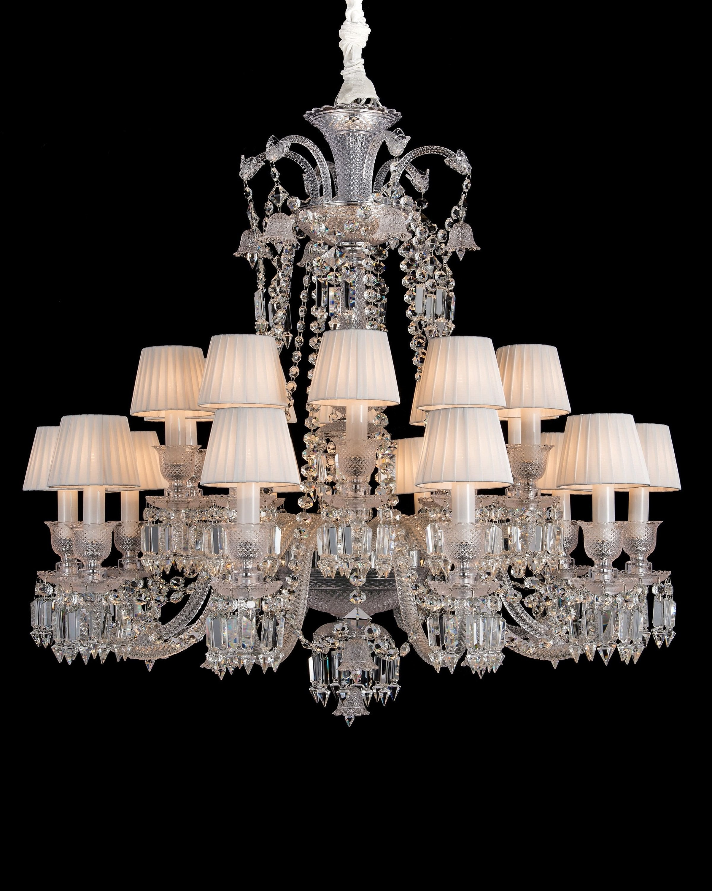 Modern crystal chandelier | ANGIE HOMES