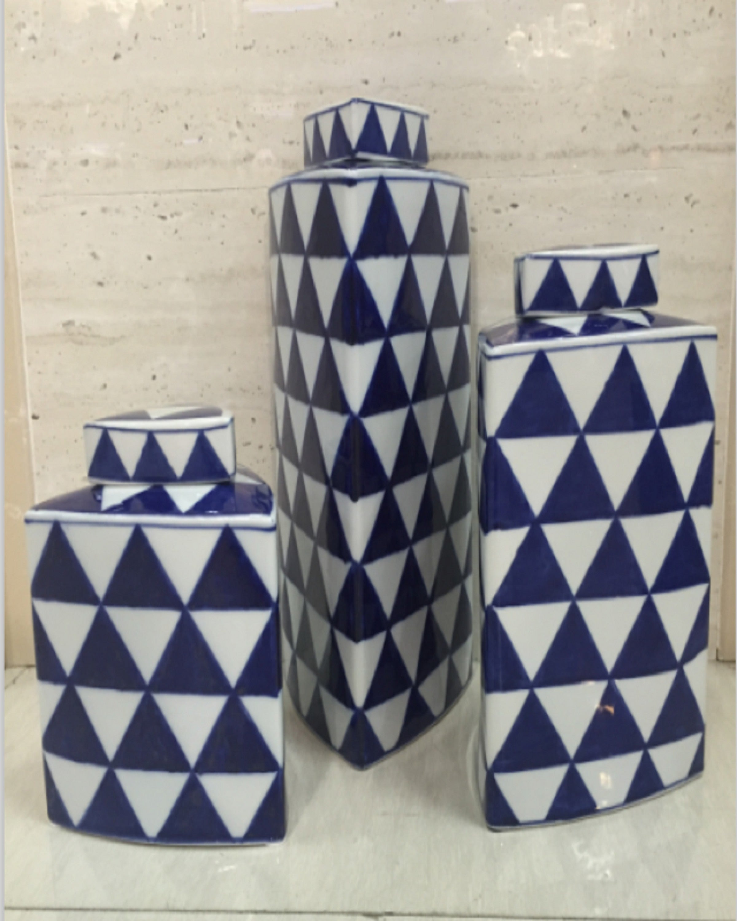 Luxury White and Blue Triangle Design Vases | Angie Homes