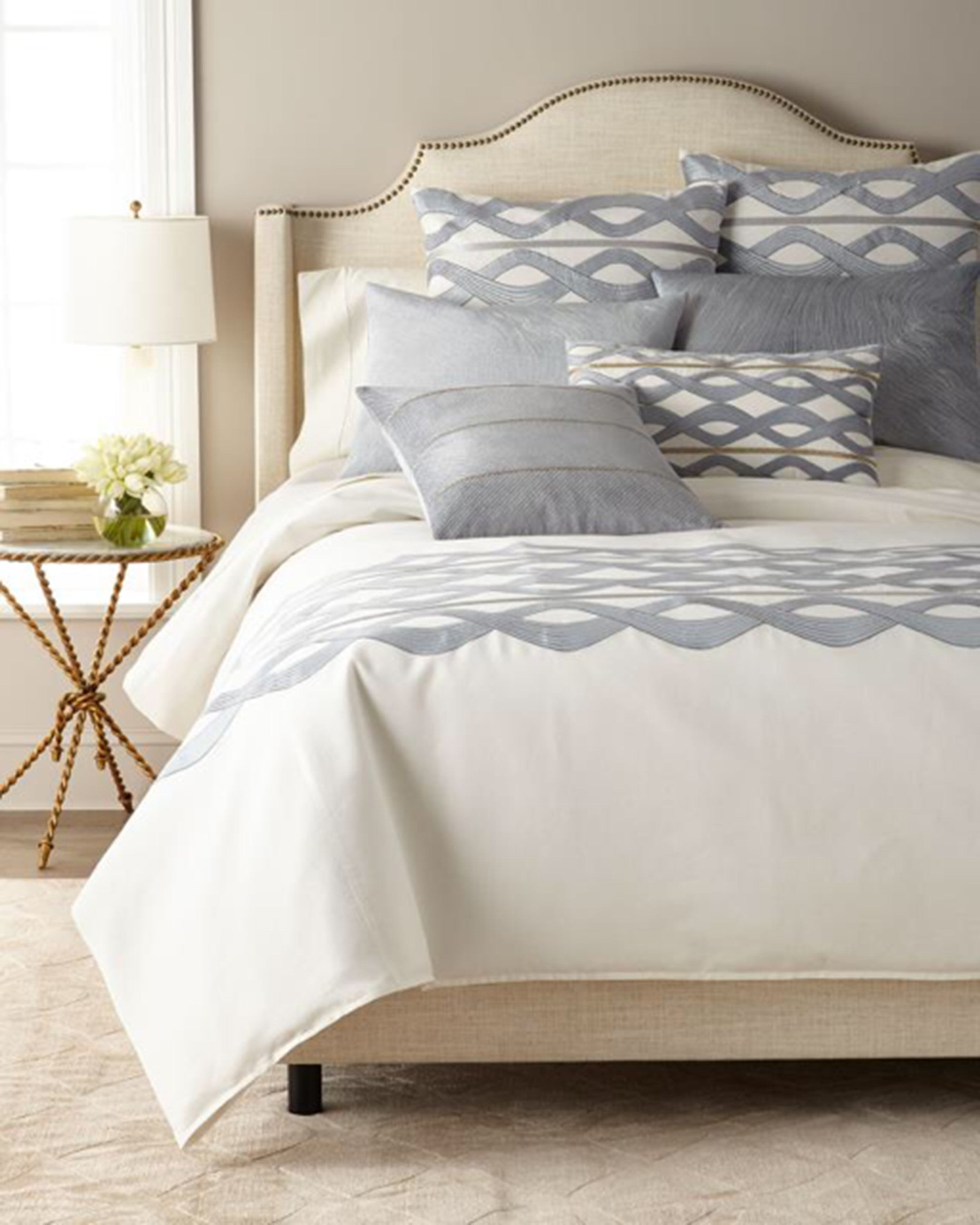 KWIRFY BEAUTIFUL  BED SET (SET OF 4)- ANGIE HOMES ANGIE HOMES