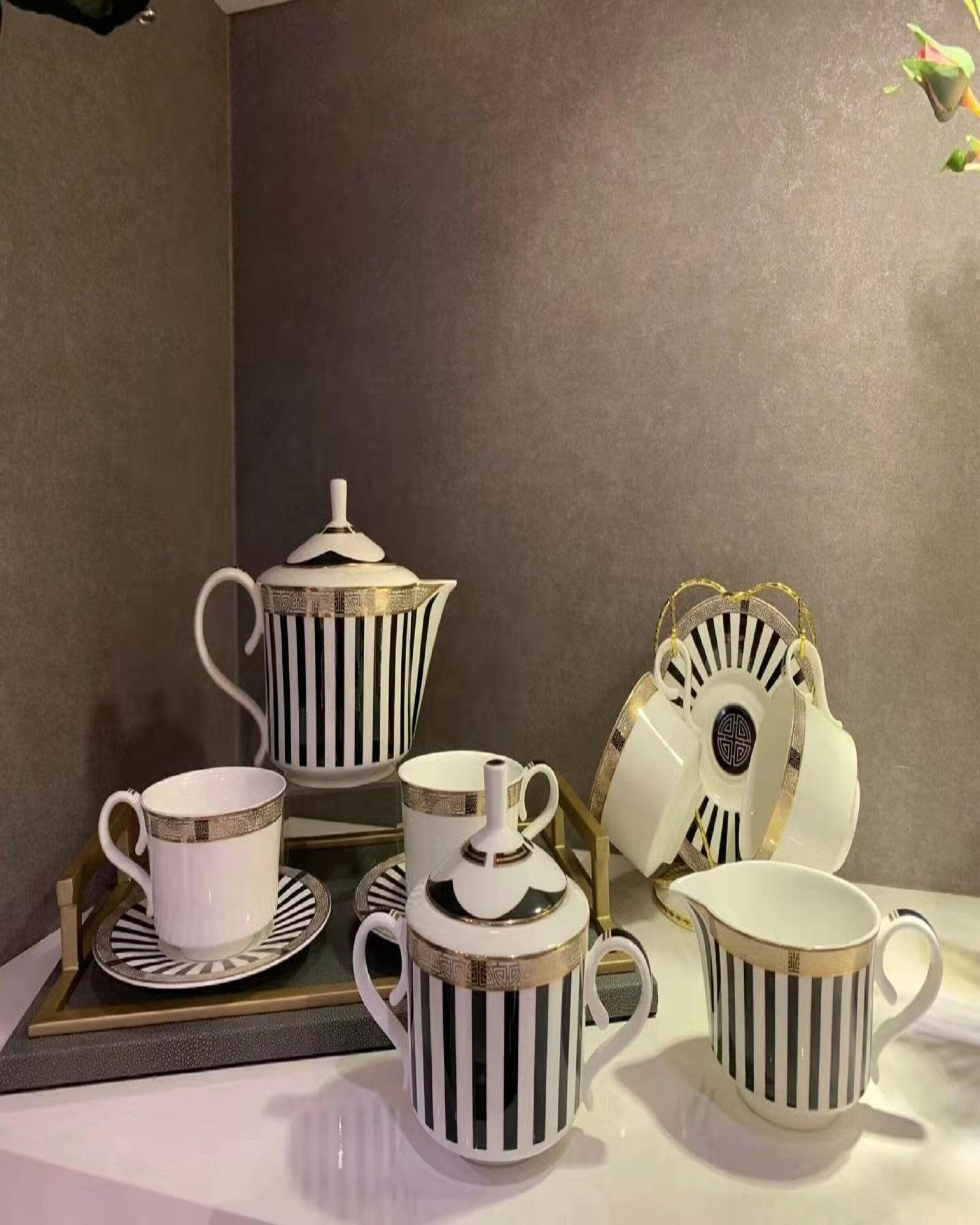 NIKON TEA SET ANGIE HOMES