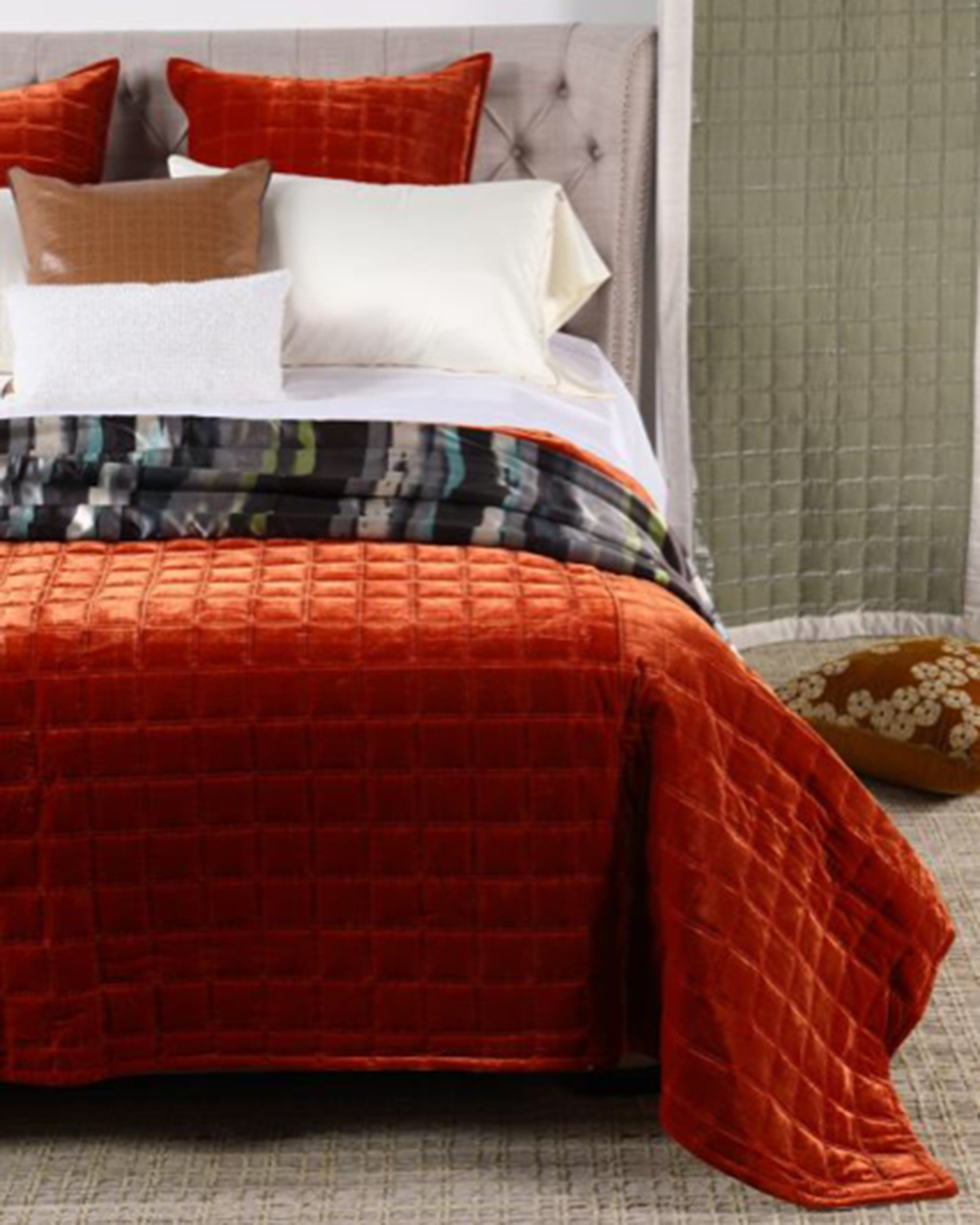 Luxury red bedsheet with pillow quilted bed sets | Angie Homes