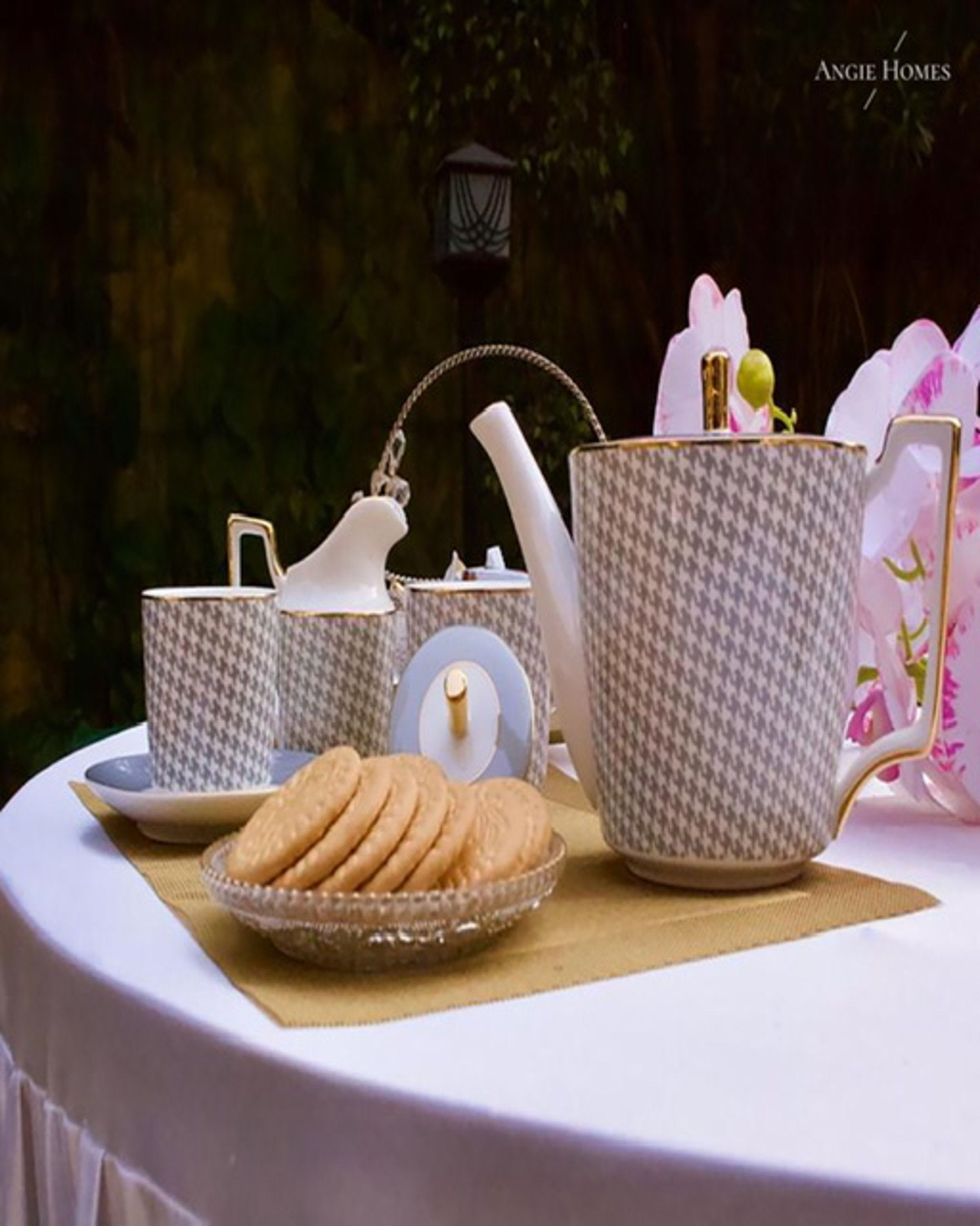 WINTER VALLEY TEA SET ANGIE HOMES