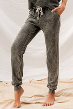 Load image into Gallery viewer, Washed Rawhem Twotone Frenchterry Joggers