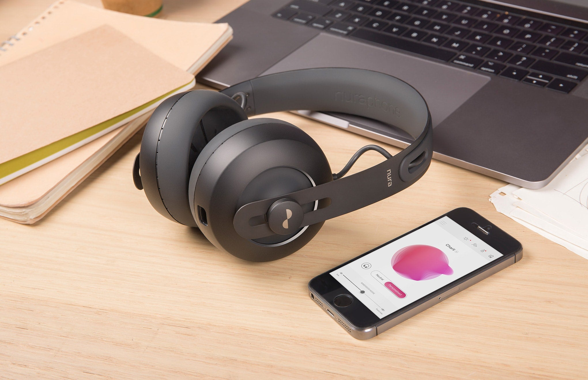 Nuraphone - Casque audio qui s'adapte à votre audition.