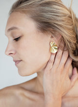 Load image into Gallery viewer, Nanthera Earrings