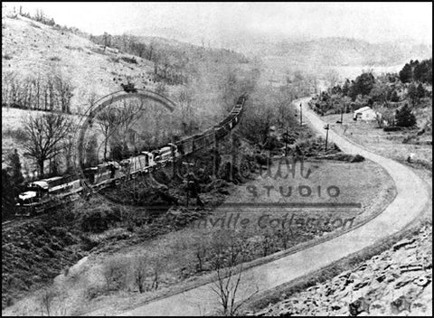 TC Coal Hopper Train Buffalo Valley