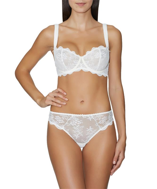 Aubade A L'Amour Half Cup Full Bra - Suits every bust. This comfortable version, which fits up to cup size G is equaly draped in tulle and Leave'rs Lace. Underwired with great back and straps support.