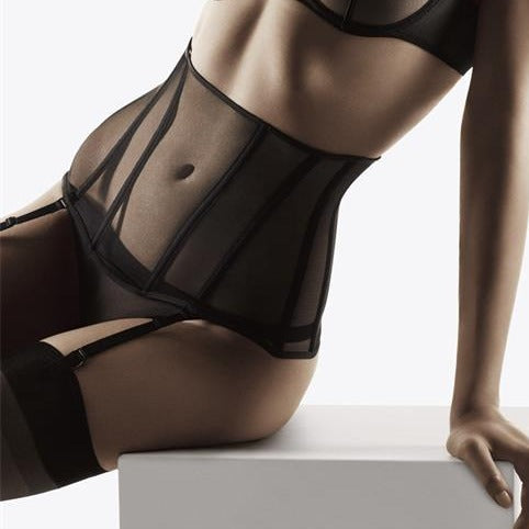 NOTTING-HILL-LINGERIE-LONDON-An exceptional, ultra-sexy piece with a hint of retro, the waistcincher beautifully enhances the figure. Wider than a suspender belt, it is worn on the waist, high or low as you wish
