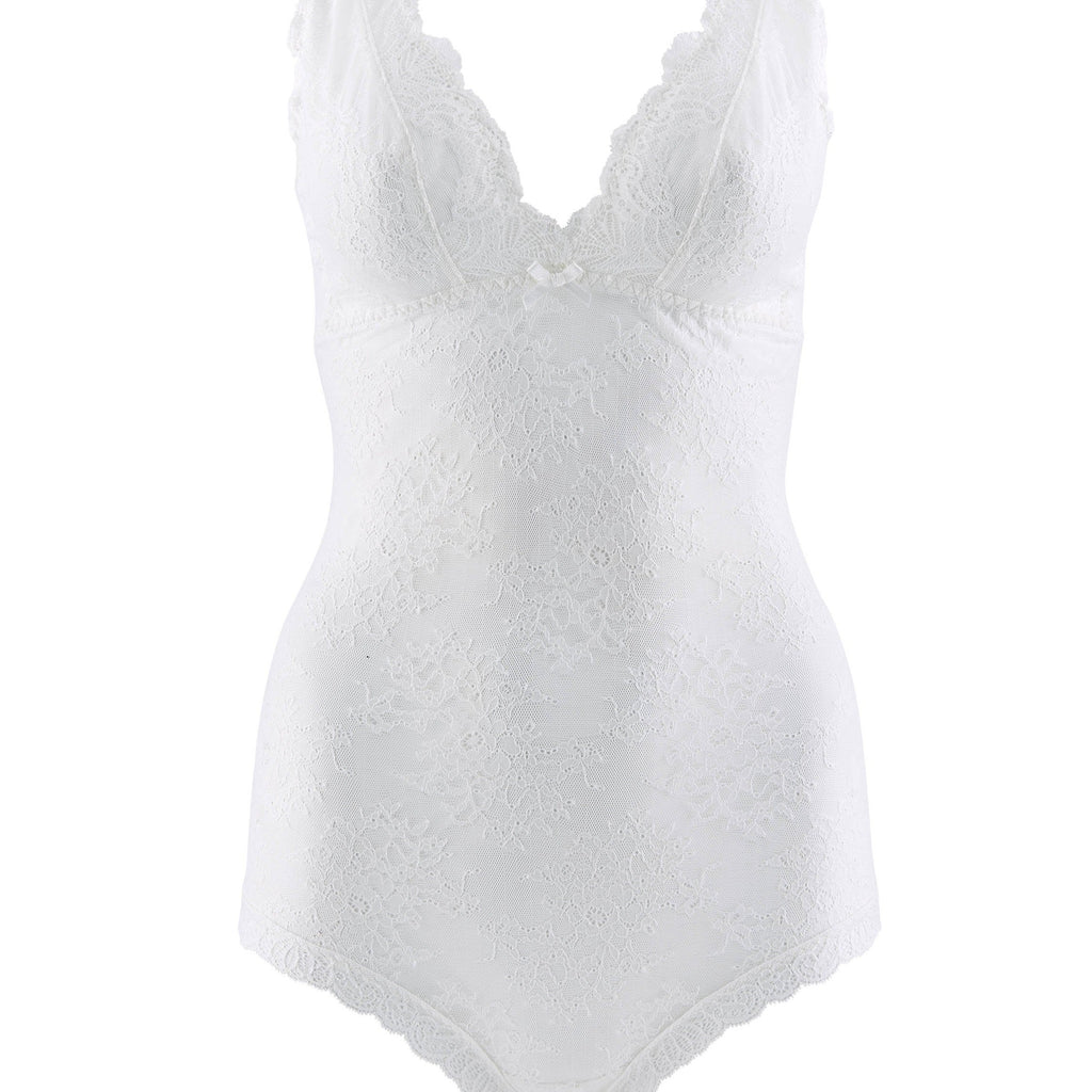 Aubade Danse Body represents a very fashionable shape with exquisite sophistication. The lace around the body provides a lightweight feel.Featuring very varied designs, this line offers beautiful yet comfortable lingerie in intense Ivory.