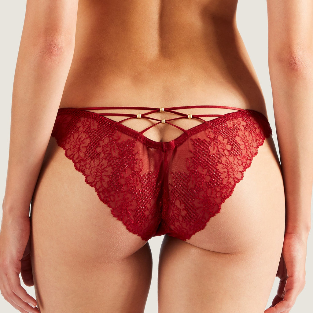 london-lingerie-notting-hill-The Aubade Etoile Briefs are refined and sparkling with fine French embroidery lace