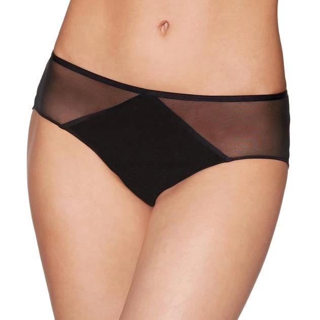 The  Aubade Nudessence short is feminine and offers seamless good coverage