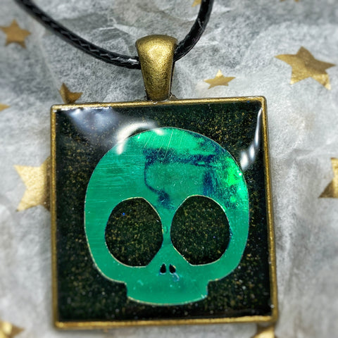 Holographic Skull Square Pendant Necklace