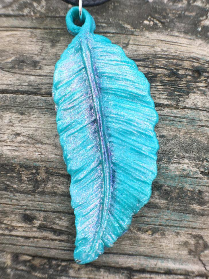 Colorshifting Light Blue Shimmer Feather Necklace