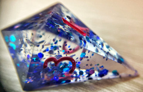 'Little Bloo Tiefling' Sharp Crystal Shard Gaming D4 Dice