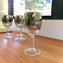Load image into Gallery viewer, Dorothy Thorpe Wine Glasses - Set of Six