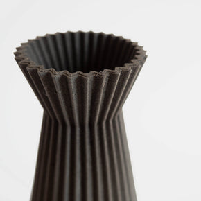 Ishi Vase, Black | Curious Makers