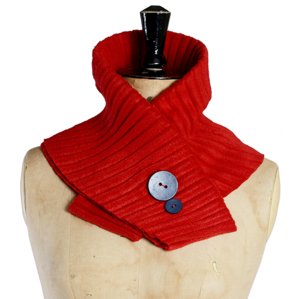 Button collar - Red/blue - annafalcke.com