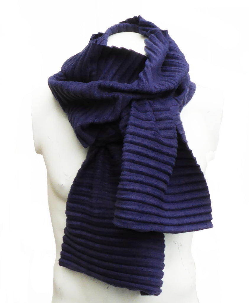 Pleated scarf - Navy - annafalcke.com