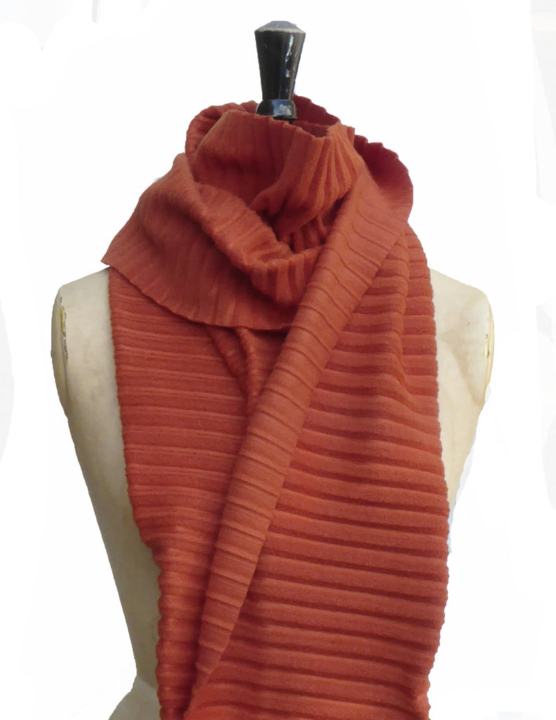 Long Pleated Scarf - Rust - annafalcke.com