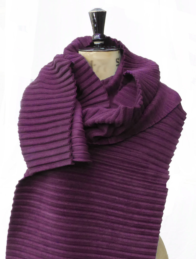 Long Pleated Scarf - Wine - annafalcke.com