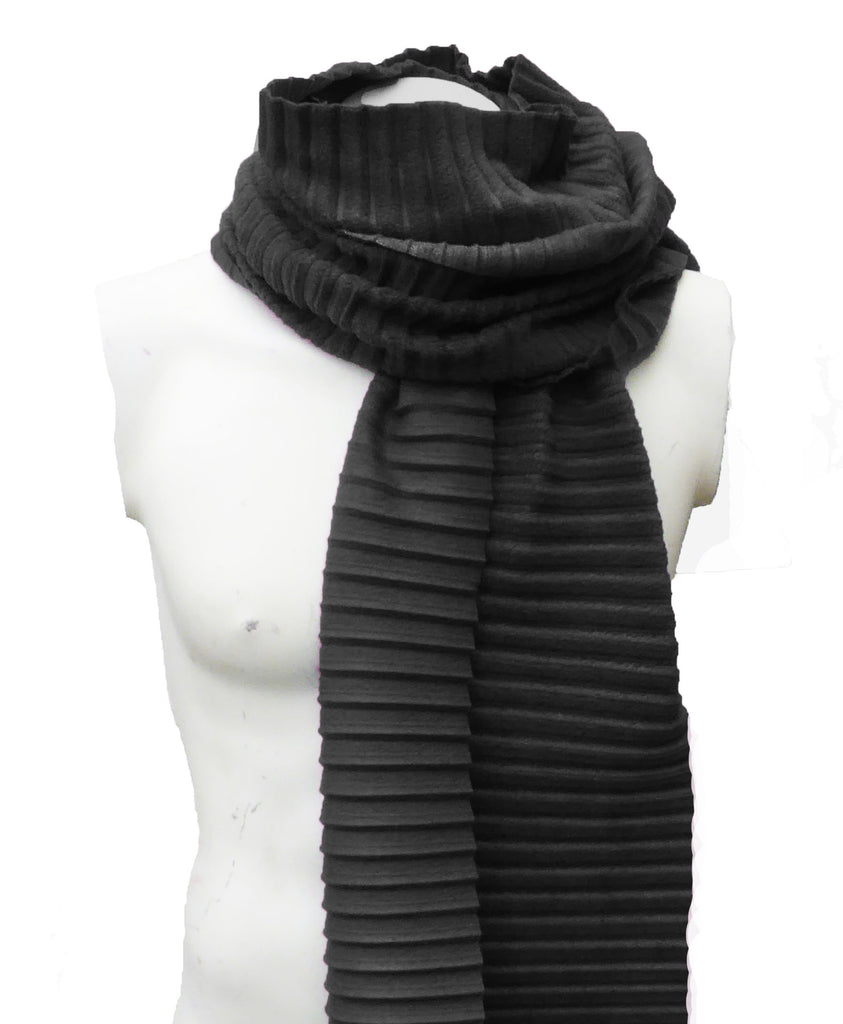 Pleated scarf - Black - annafalcke.com