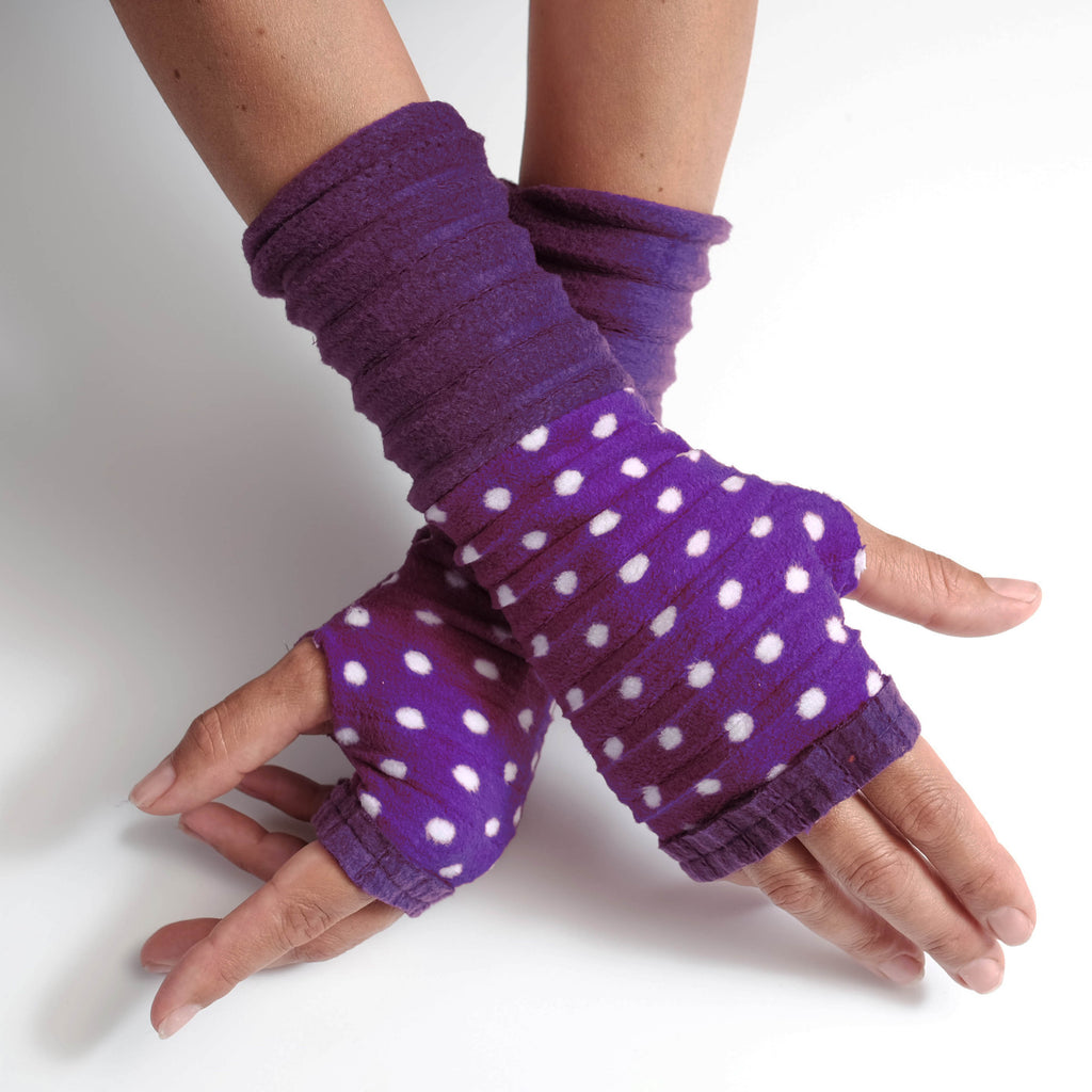 Wristee® Ruffle - Purple Spot - wristies