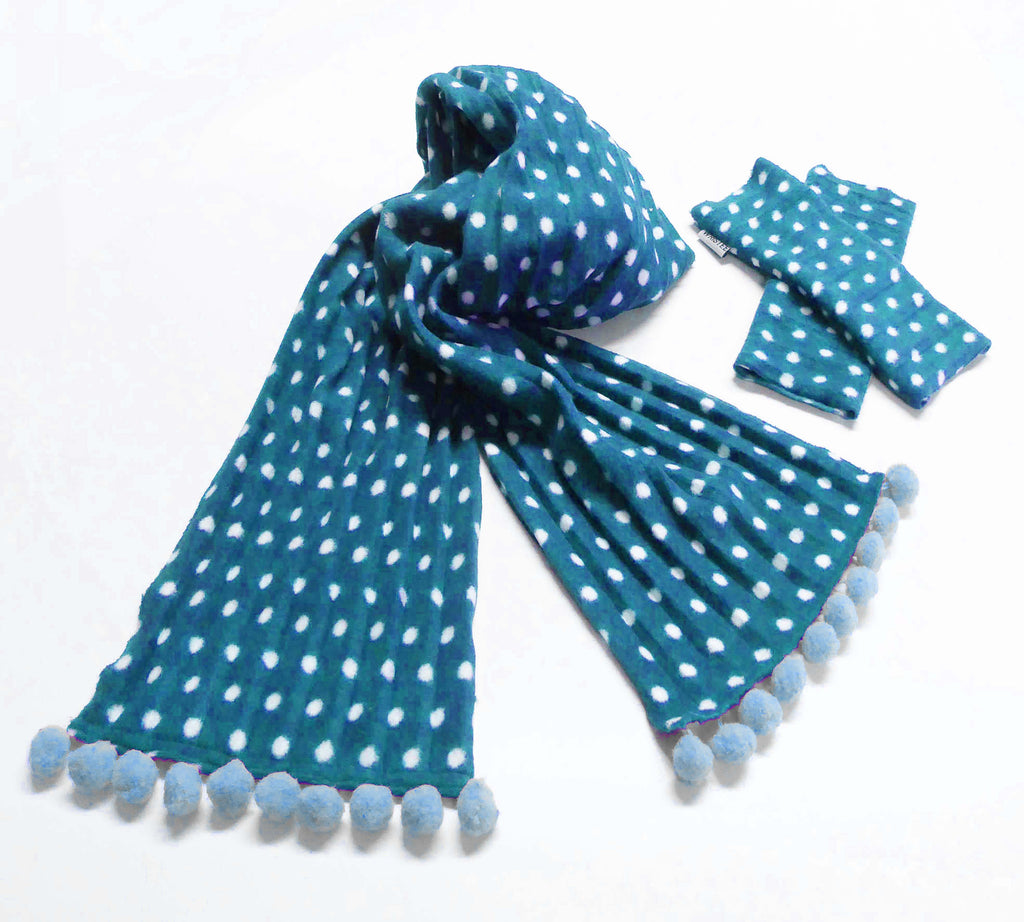 Kids Pom pom scarf - Teal spotty - wristies