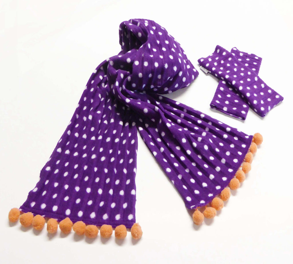 Kids Pom pom scarf - Purple spotty - wristies