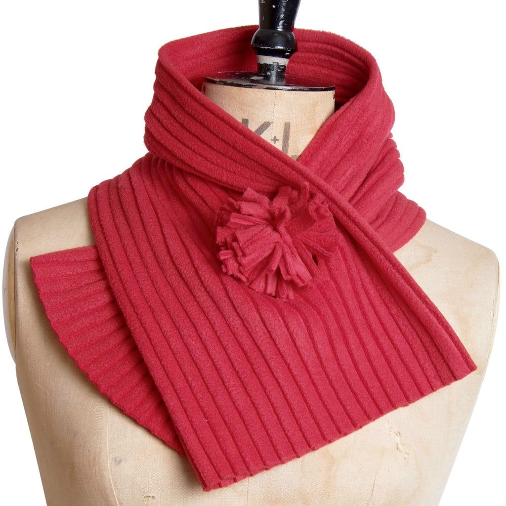 Pom Collar - Red berry - wristies