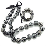 Load image into Gallery viewer, Black and White Kukui Nut Lei Necklace and Bracelet Set