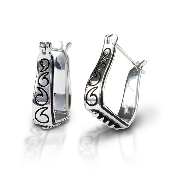 Kelly Herd Engraved Stirrup Earrings