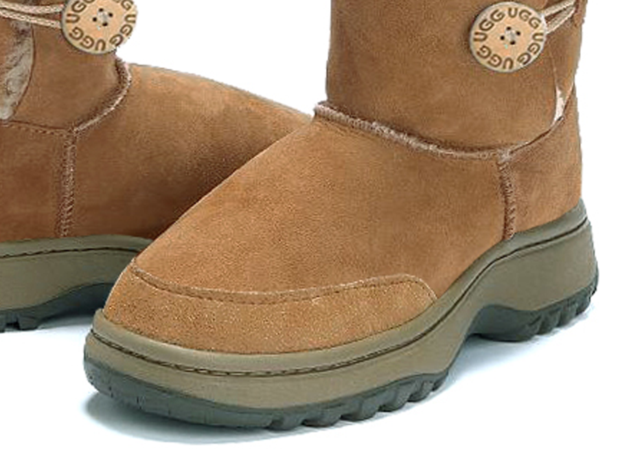 Adults Chestnut Bella Button Ugg Boot Outdoor Sole Detail