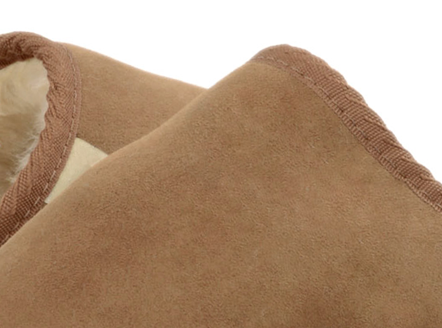 Adults Chestnut Classic Ugg Style Scuff Slippers Detail