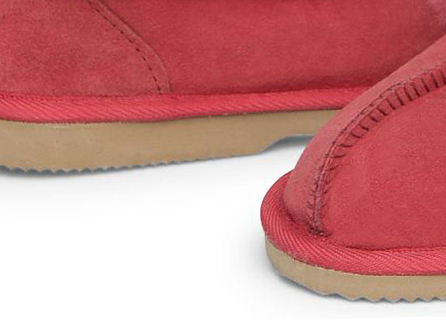 Adults Scarlet Classic Ugg Style Slipper Classic Sole Detail
