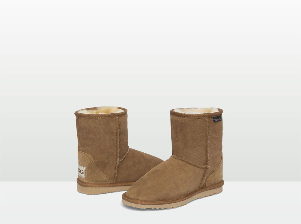 Adults Chestnut Classic Short Ugg Boots