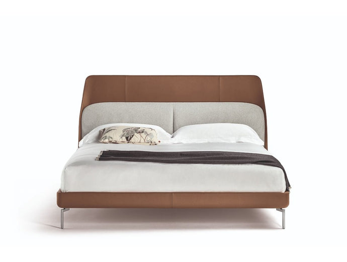 Coupe Deluxe Bed