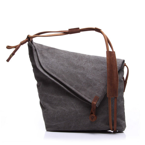 BROOKLYN Shoulder Bag | Iconic Design
