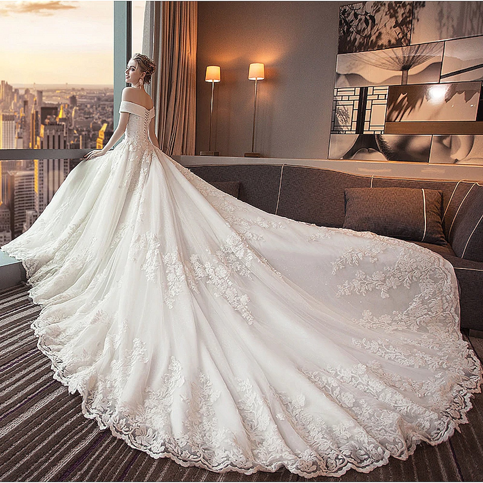 <center>Plus Size Wedding Dresses</center>