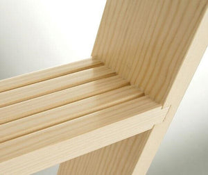Dovetail joints on all treads