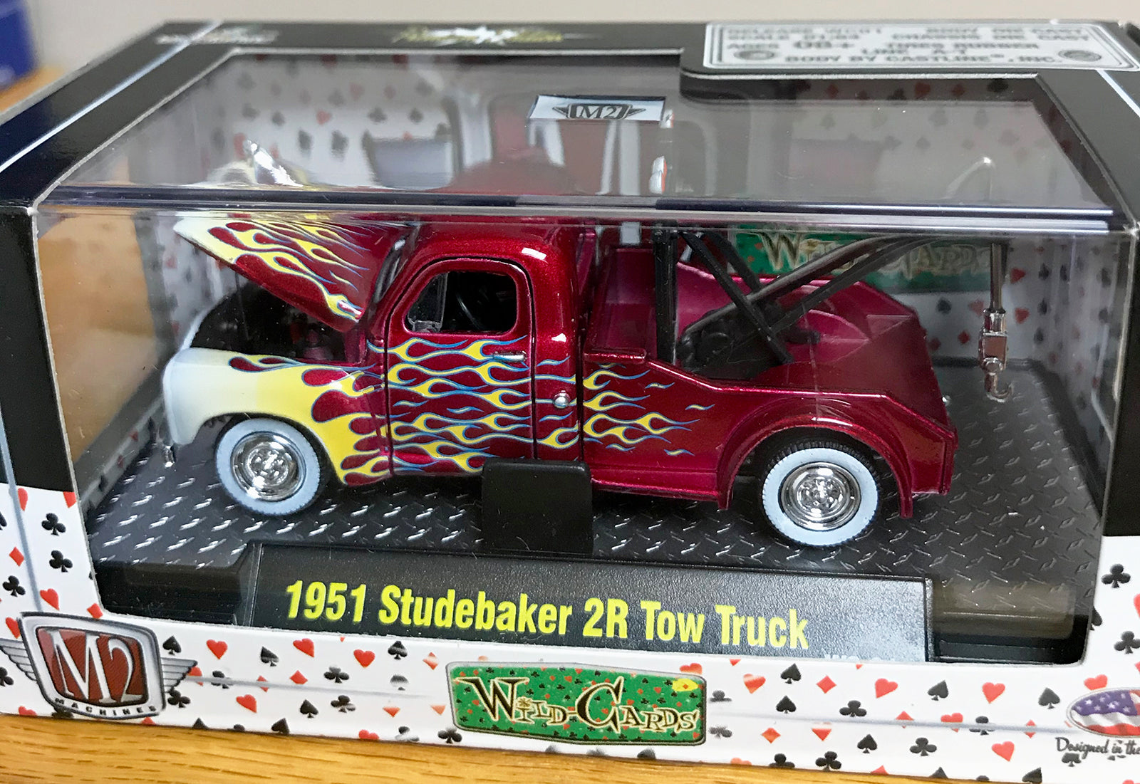 S 1951 Studebaker 2R Tow Truck - Red