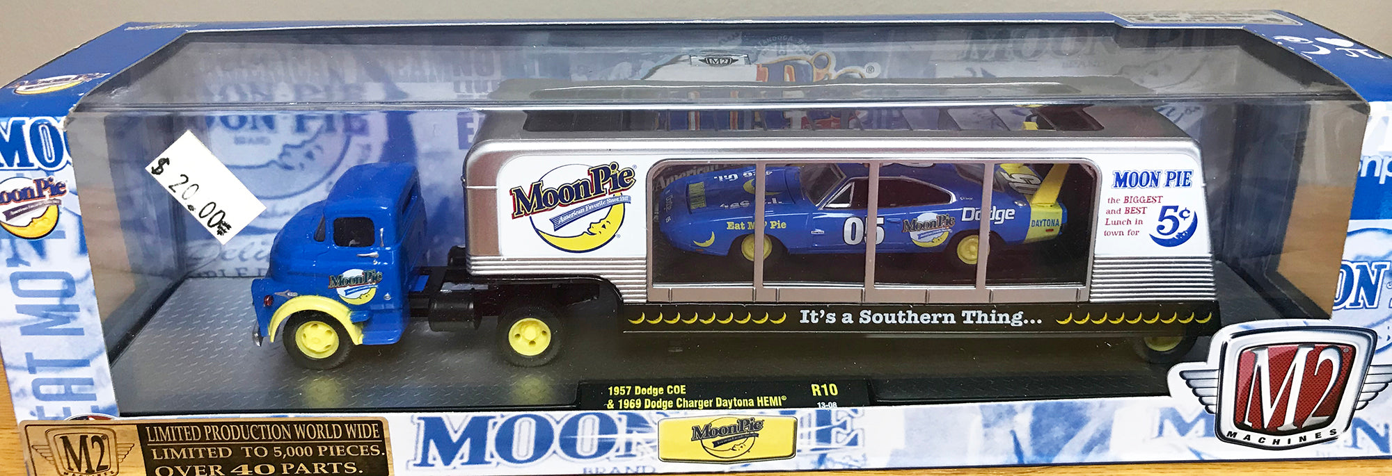 S 1956 Ford Semi w/Auto Trailer - Moon Pie