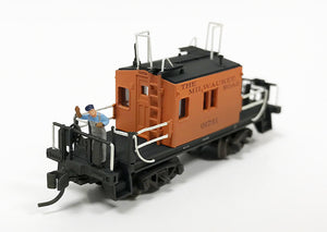 N Custom Weathered Transfer Caboose / Milw Rd 01731